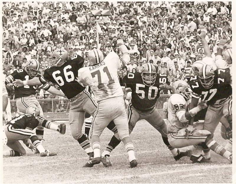 Tom Dempsey kicks a fieldgoal vs Loins 1970.