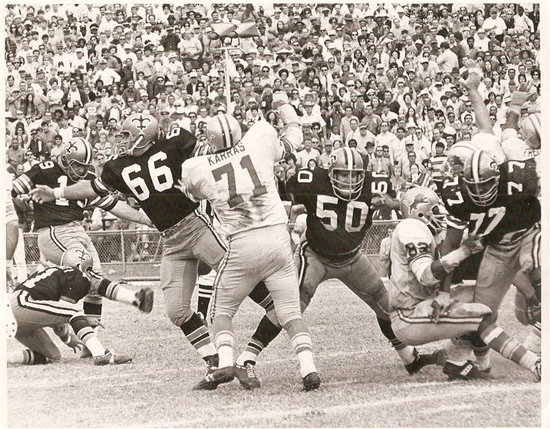 Tom dempsey kicks 1 of his 4 field goals against detroit in 1970