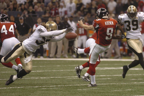 Steve Gleason blocks punt on Monday Night Football game against the Falcons