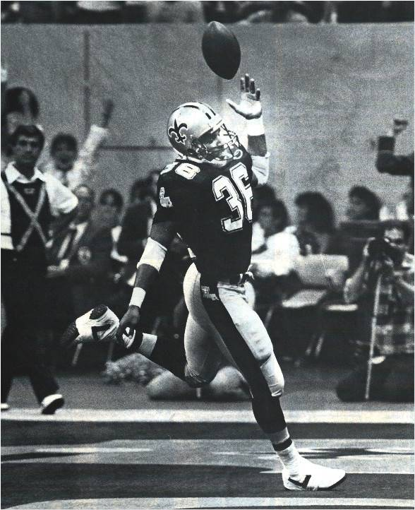 Reuben Mayes of the New Orleans Saints in 1986