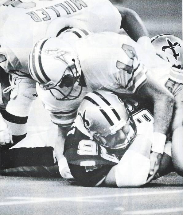 Saints Defensive Lineman Tony Elliott recovers a fumble in 1987 against Houston