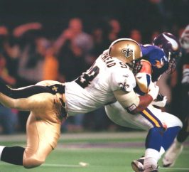 Willie Whitehead makes a tackle in the 2000 Playoffs