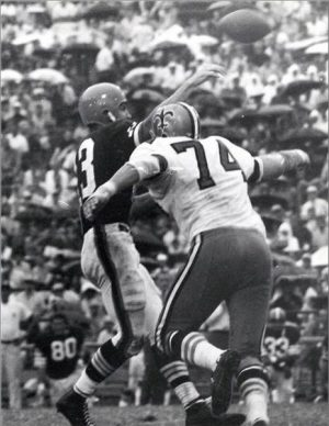 Saints Mike Tillman Pressures Browns Frank Ryan