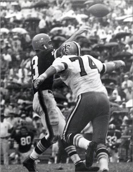 Mike Tillman Pressures Frank Ryan in 1967 Saints Browns Game