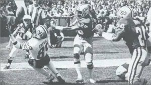 Saints Receiver Wes Chandler makes a catch in 1979 game against Green Bay