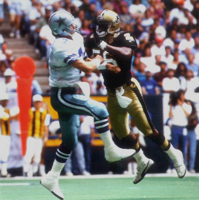 NO Saints Linebacker Pat Swilling Pressures Steve Beuerlein of the Dallas Cowboys