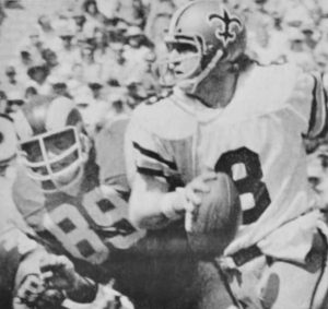 Archie Manning of the Saints & the Rams Fred Dryer in 1977